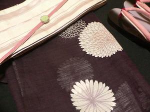 黒とピンク 綿絽素材 アラフォー向け 大人っぽいアレンジ
